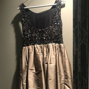 Adrianna Papell Dresses - Gold and black beaded dress.